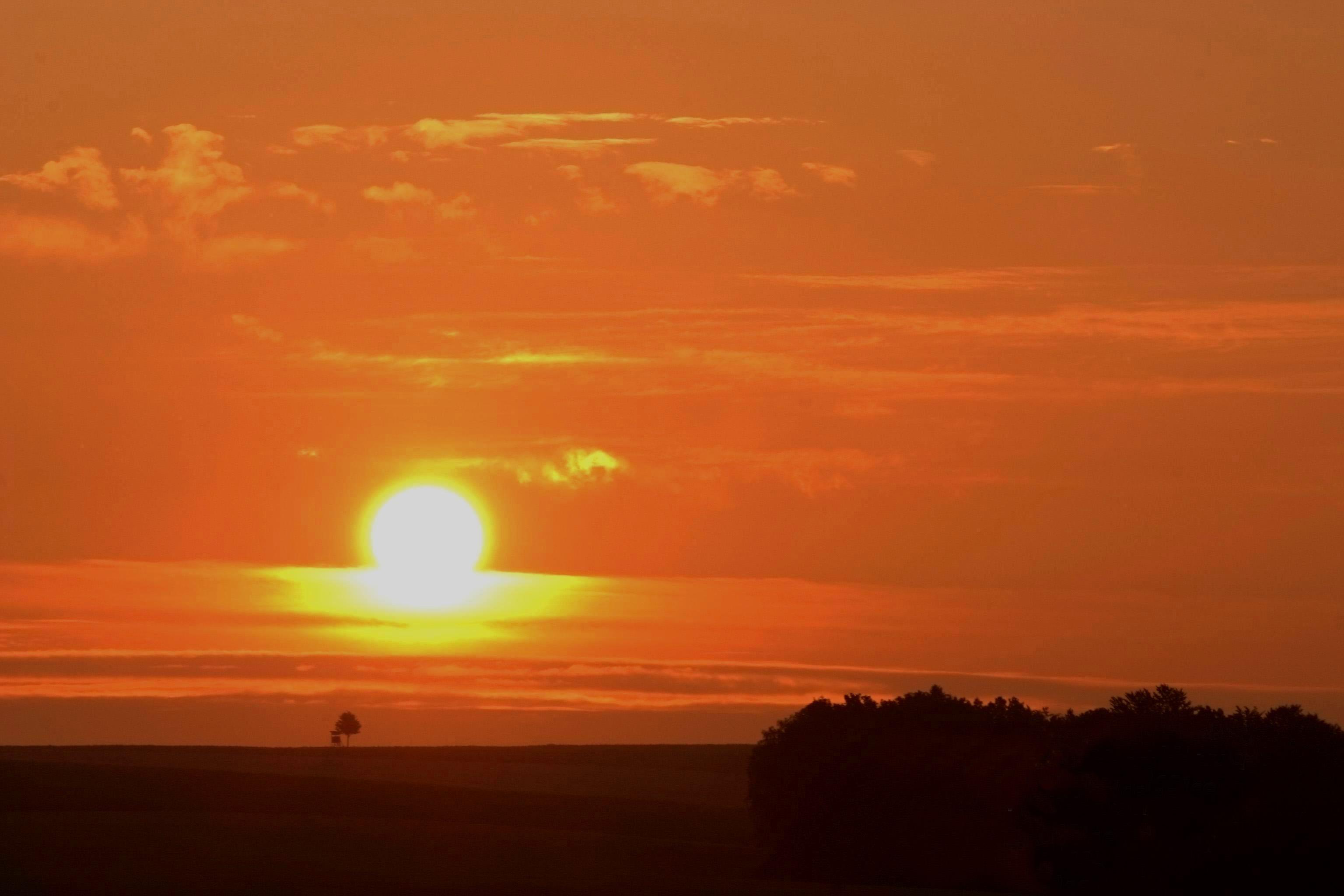 10.) Göritzhain Sonnenaufgang über dem Wiedertal 5.7.2009  5.00 Uhr
