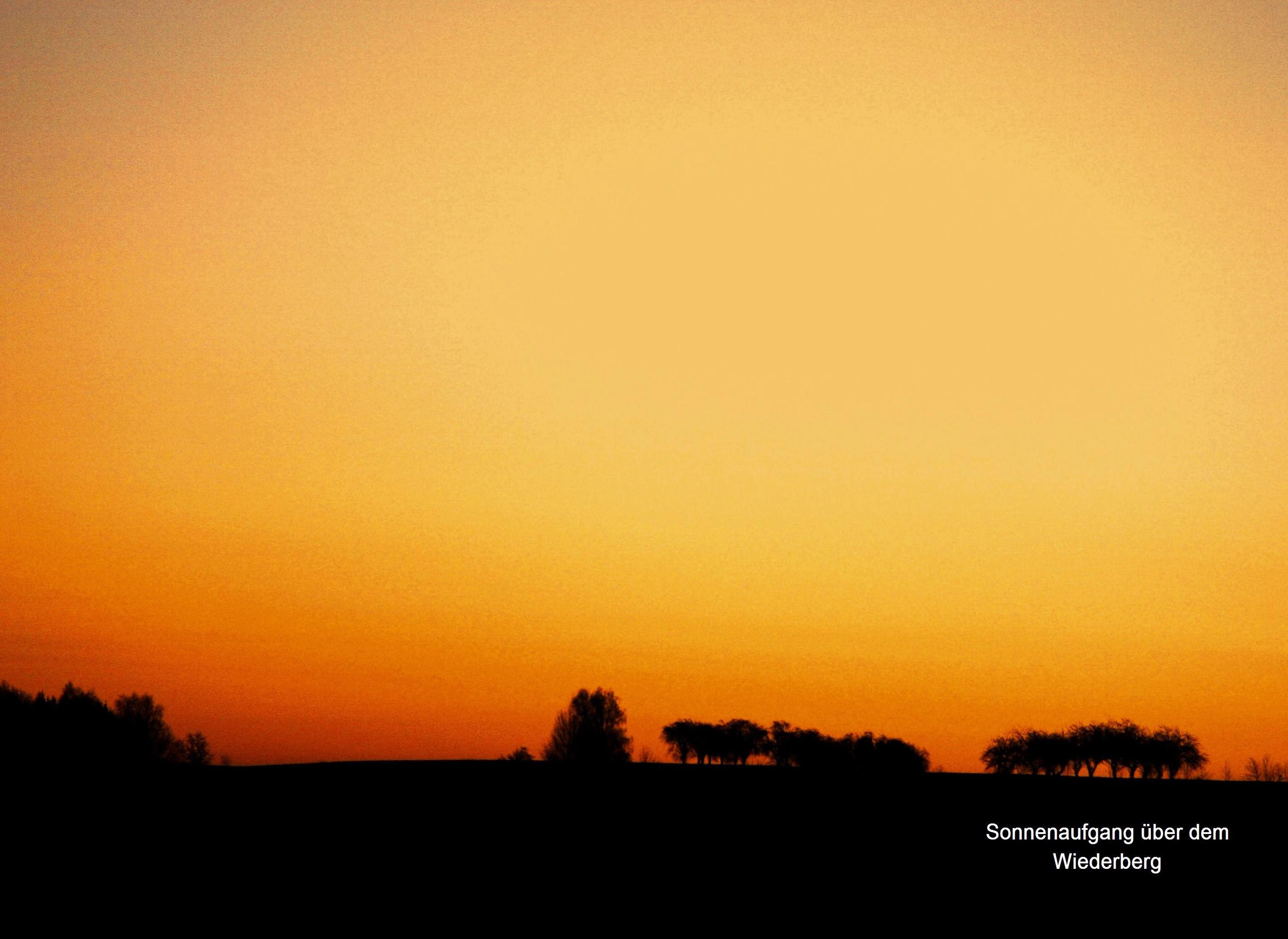 2.) Göritzhain  Sonnenaufgang über Wiederberg